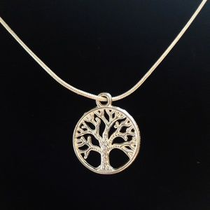 Jewelry - Silver Tree of Life Pendant Necklace